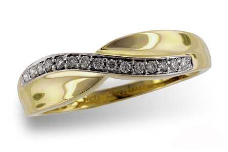 D5019Y Diamond Wave Ring